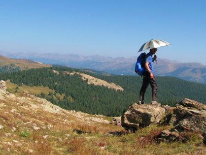 6 причин, чому варто взяти в похід трекінгову парасолю
