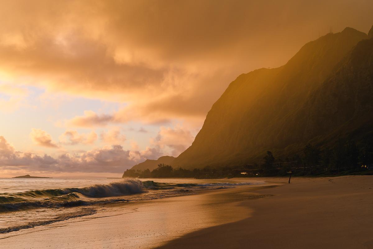 Схід сонця на острові Oahu, штат Hawaii
