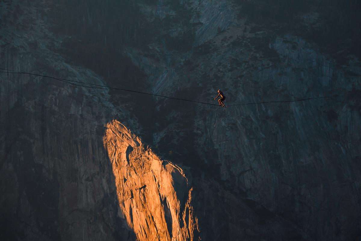Highlining above Yosemite Valley, штат California